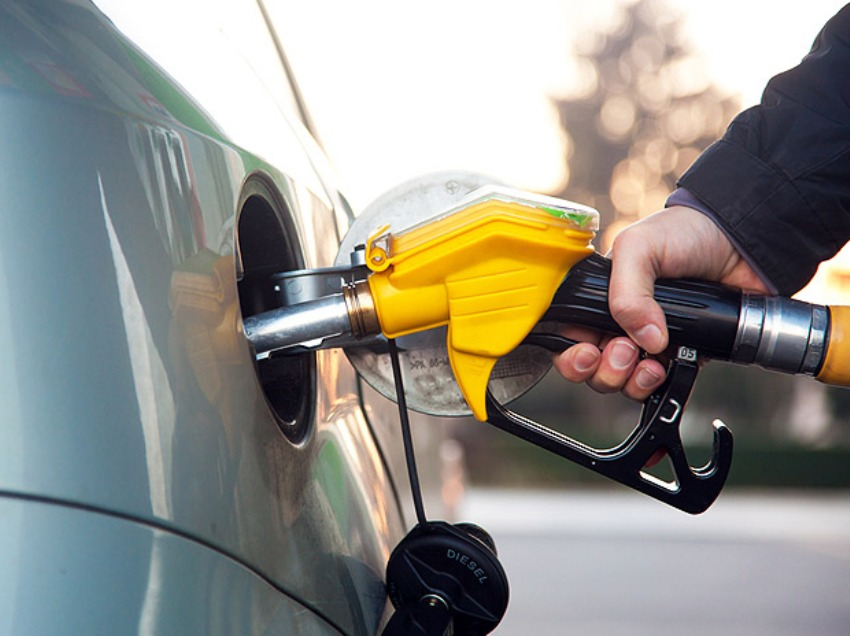 Petrol price hiked by Rs.2.58 per litre & Diesel Price by Rs.2.26 per litre