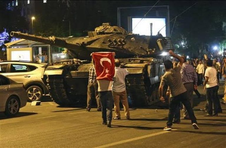 Turkey Military attempts coup, People gathered to protest against soldiers