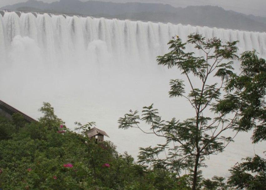 Gujarats Sardar Sarovar dam overflows