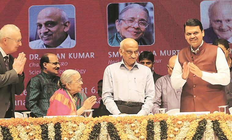 Fadnavis, three others get SIES-Kanchi Seer memorial awards