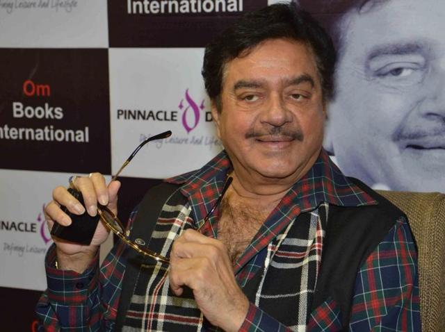 Talk of tobacco-free, not Congress-free India: Shatrughan Sinha