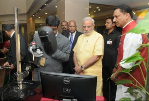 0-88121600-1437026026-pm-visits-exhibition-at-launch-of-skill-india-campaign-10