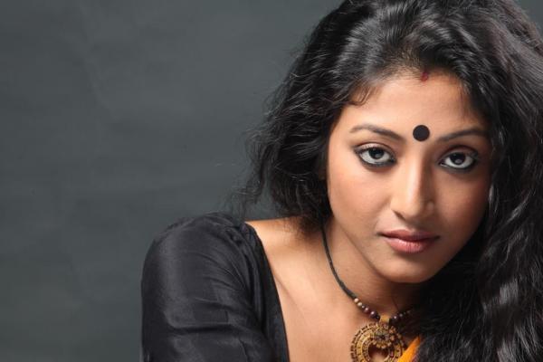 Paoli Dam Set For Tamil Film Debut