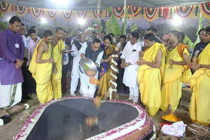 CM worships Maa Meldi: Kheda