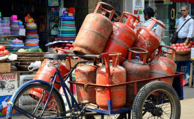 Non-subsidised LPG rates raised by Rs 86 per cylinder