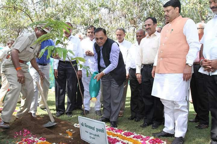 International Forest Day – 21st March CM addresses more than 16 lakh nature-lovers through BISAG satellite broadcast