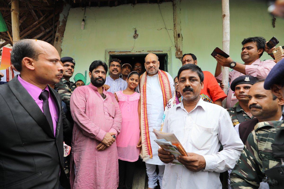 Shah goes on door-to-door campaign in Odisha