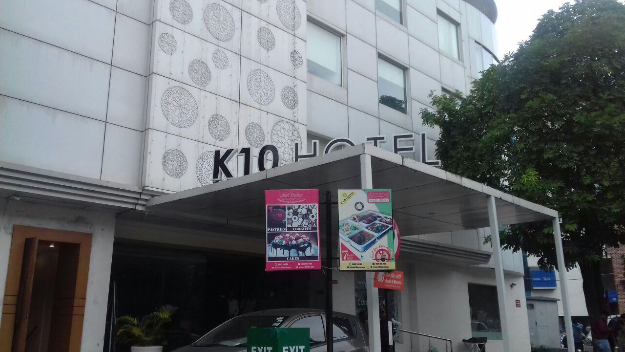 IT raid at K 10 group of business in Vadodara