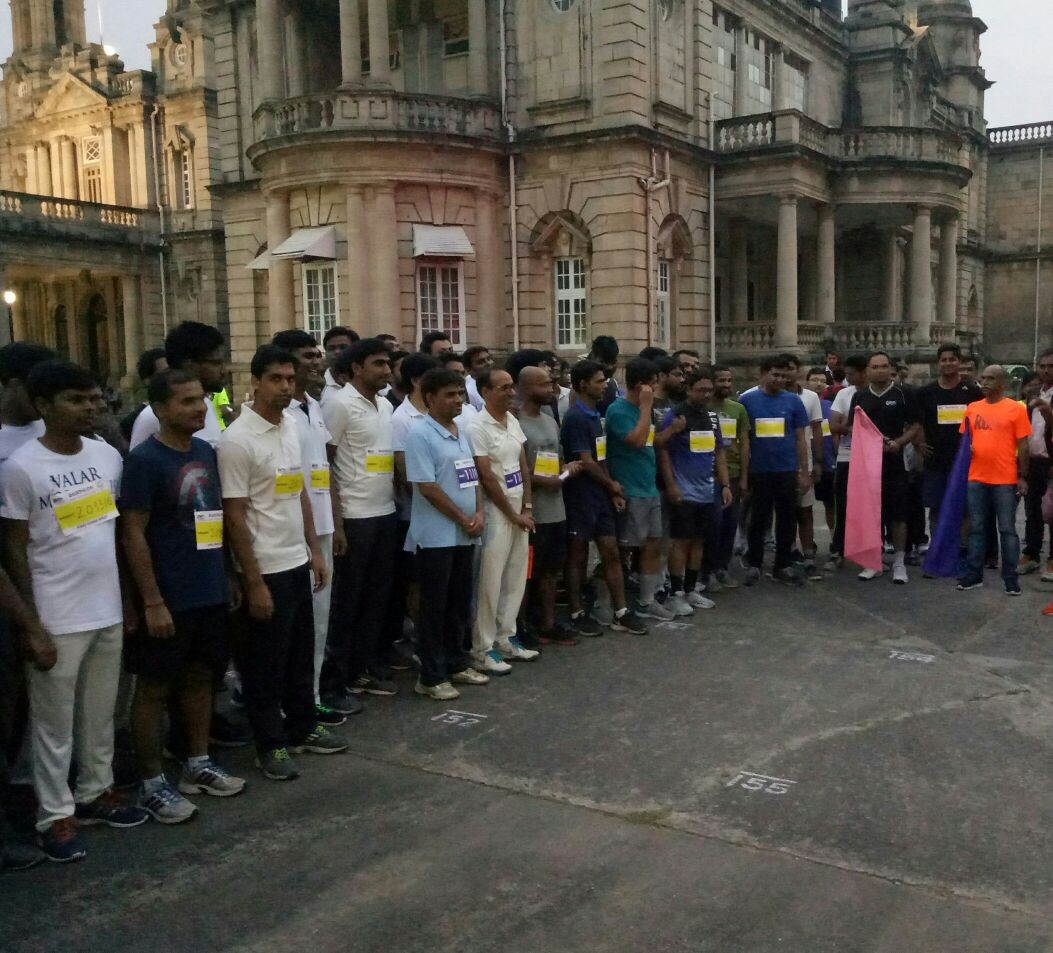 """""""Duathlon"""" comprised of running & cycling on the spirited streets of Vadodara."""