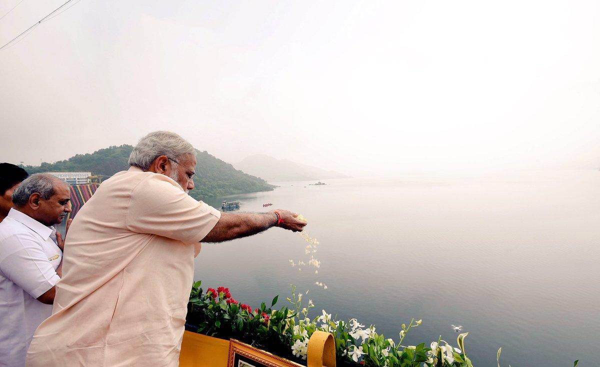 Na me chota sochta hu na chote sapne dekhta hu: PM Modi