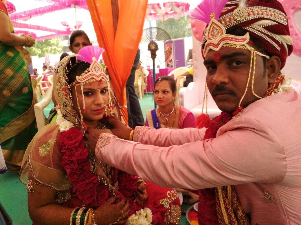 Newly wed marathi couple coolbudy - 1 8