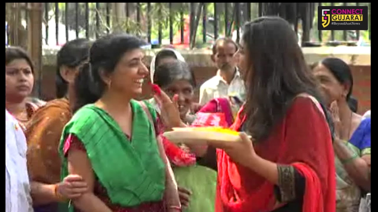 Hoonf Trust celebrate Holi with Blind people