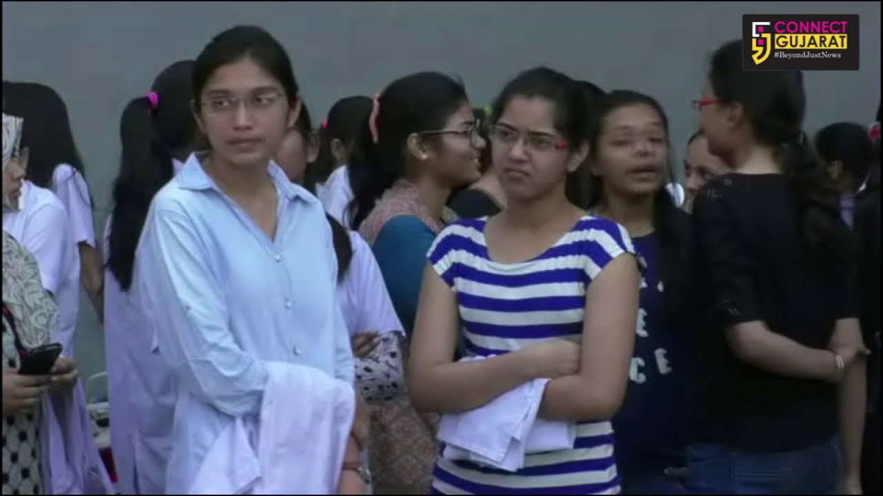 Gotri Medical college students protest against the administration