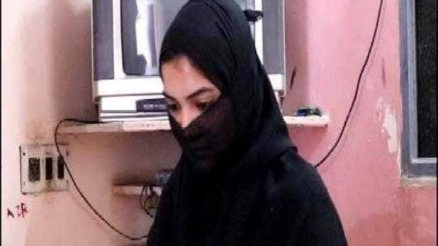 Husband gives triple talaq to his wife on facebook in Rajkot