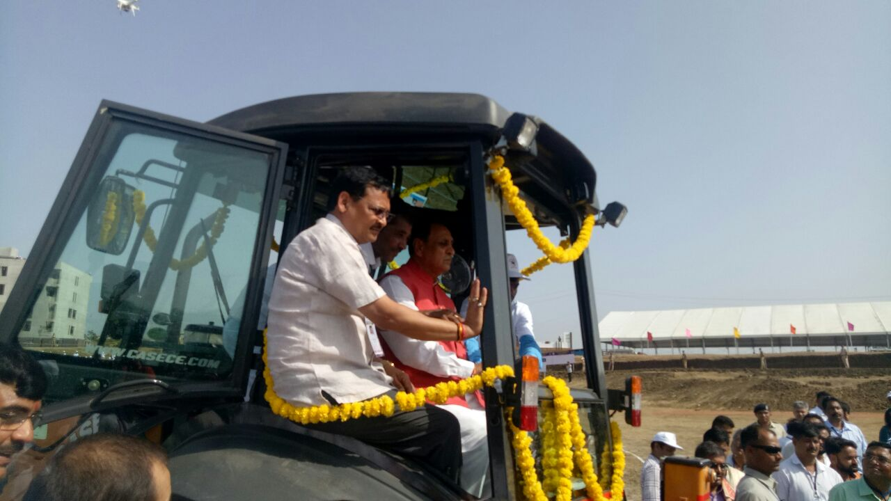 CM becomes Common Man, operated JCB himself