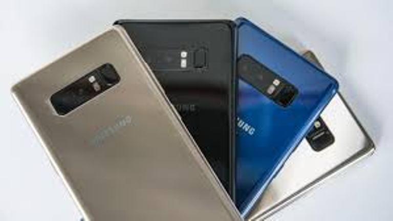 Samsung tops shrinking global smartphone market in Q1 2018