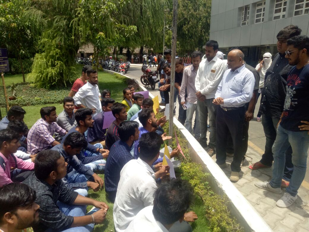NSUI protest against rise in development fees