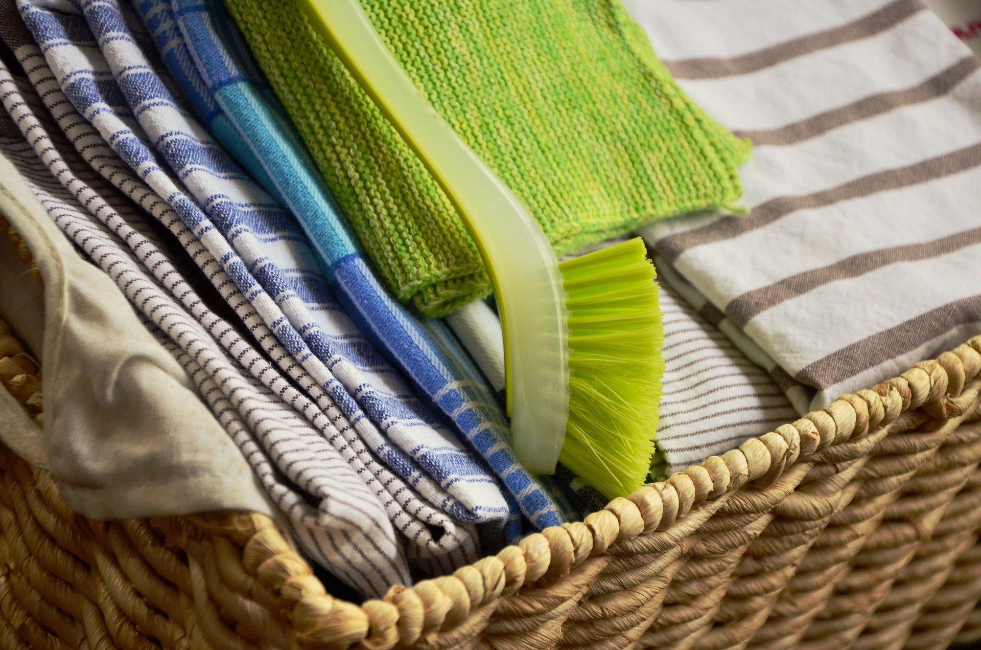 How your kitchen towels can cause food poisoning