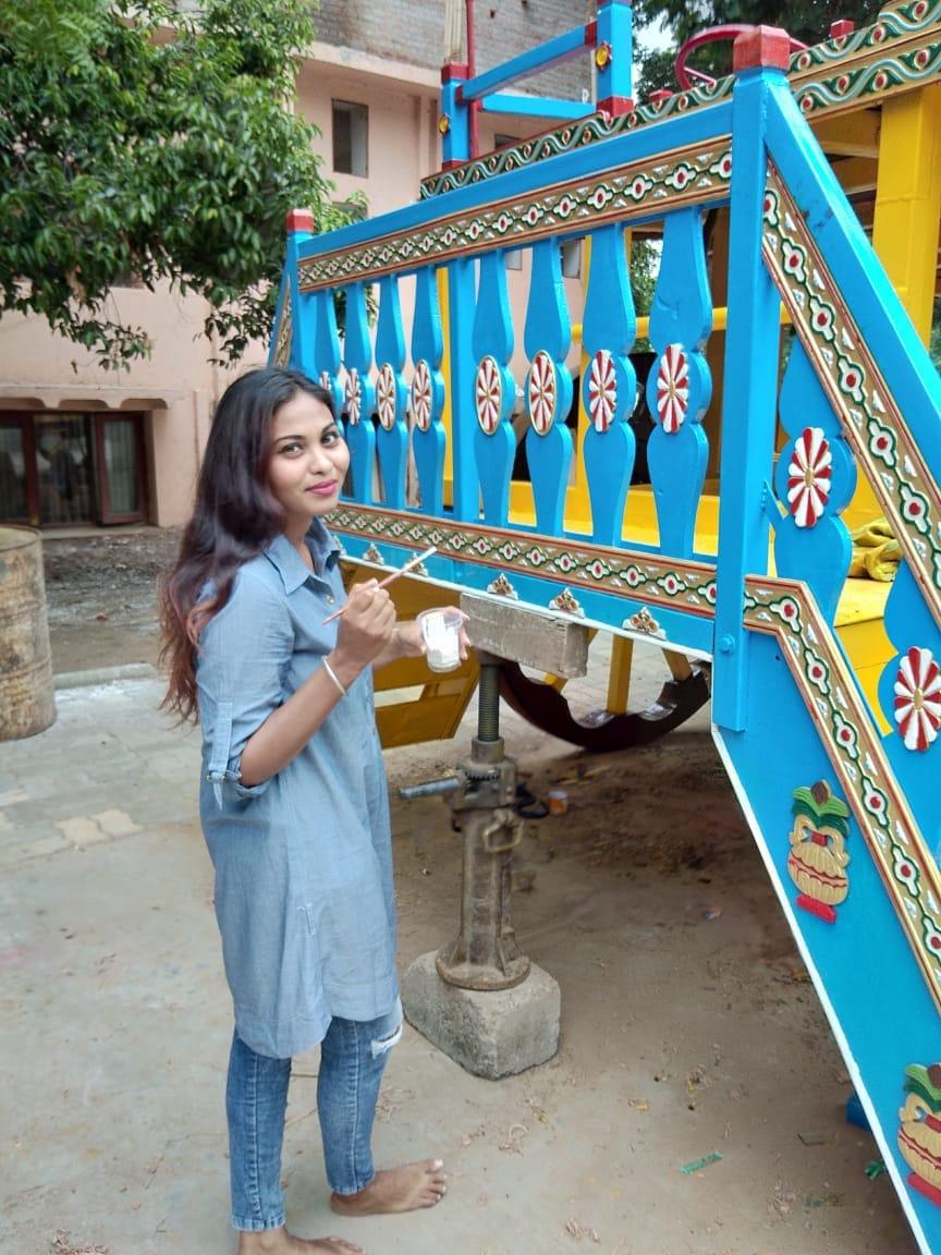 MSU passout girl behind the decoration of Lord Jagannath Chariot in Vadodara