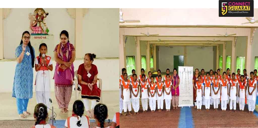 Young girls of Haribhakti Raneshwar Vidyamandir learn sense of responsibility in a story session by SaMvitti