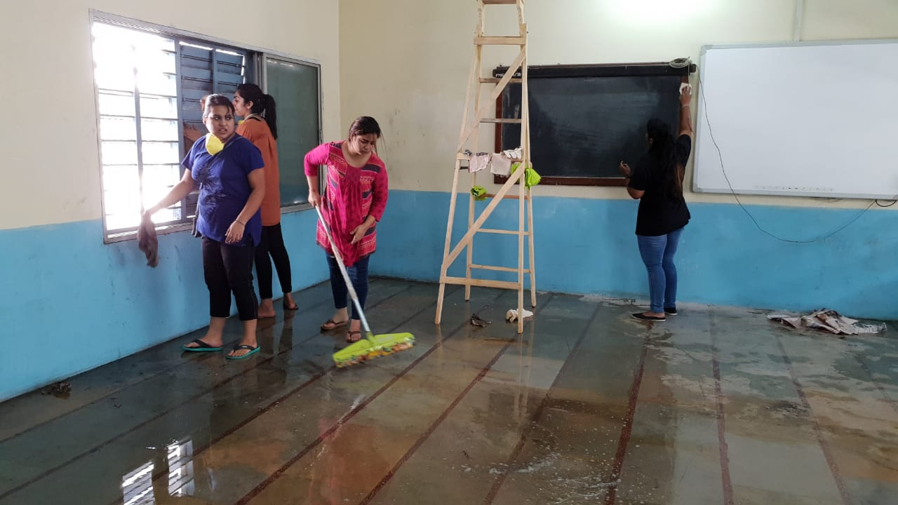 Students of MSU Managment faculty spread the message of cleanliness