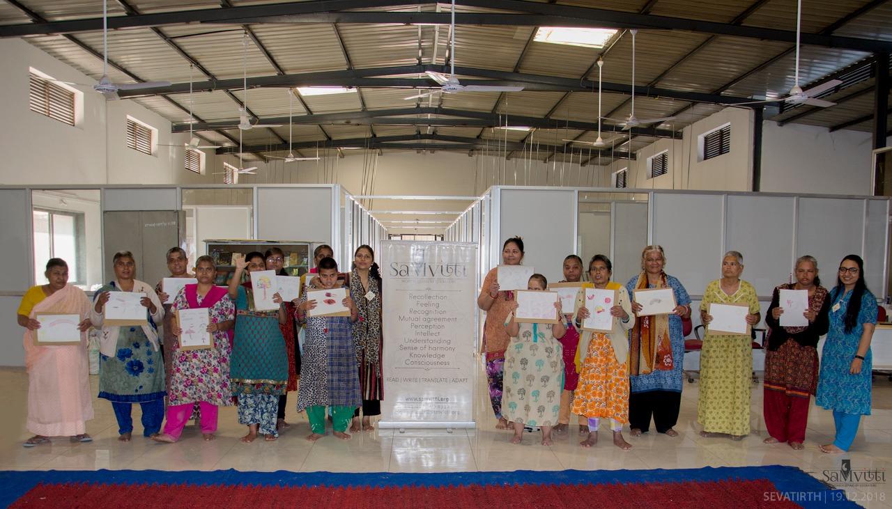 SahityaMitra Himangini Lakhera performed a monologue of the story Fatima and her Umbrella