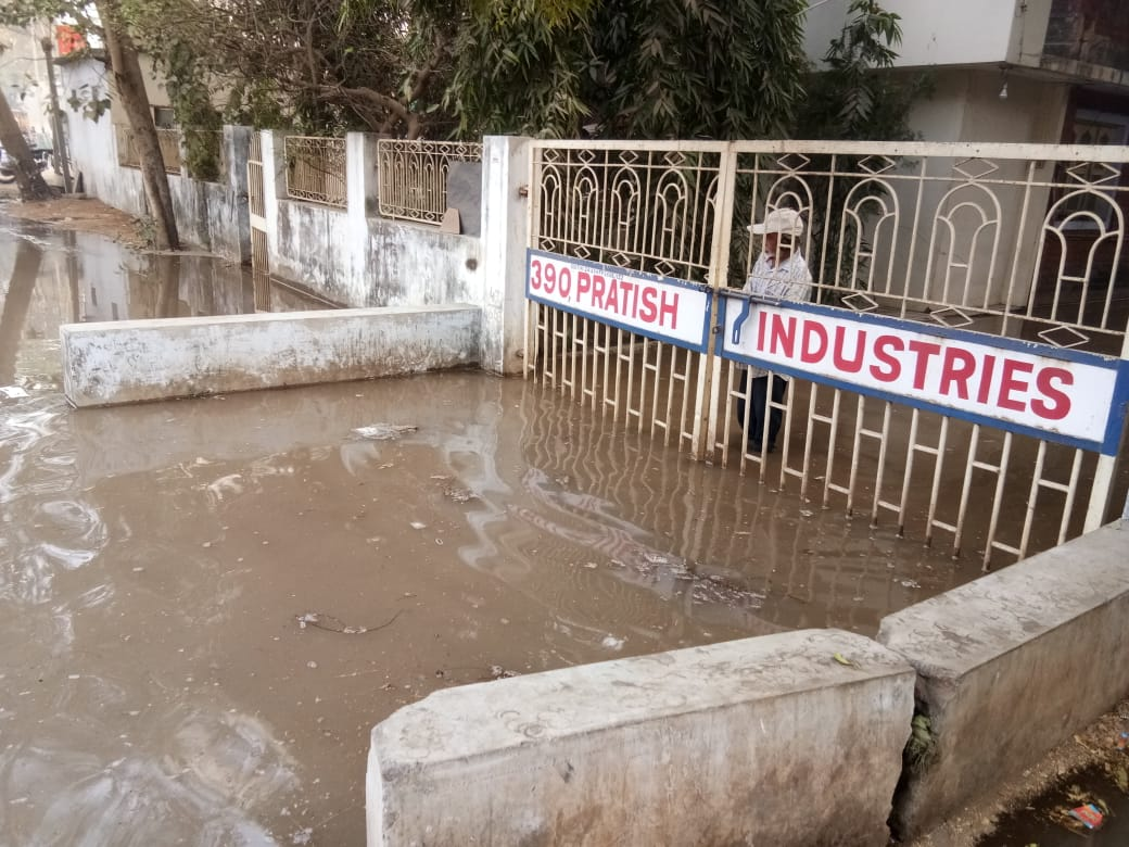 Thousand litres of water wasted in Vadodara