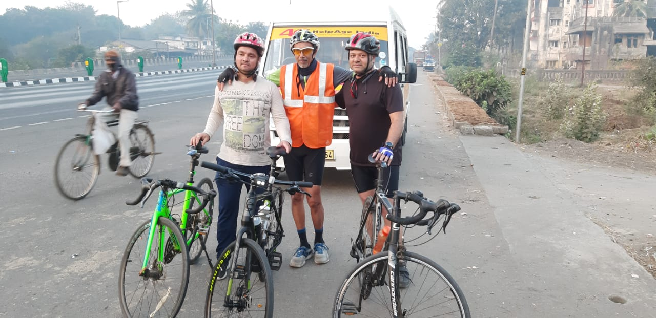70 year old Retired professional cycling towards Delhi for old age care