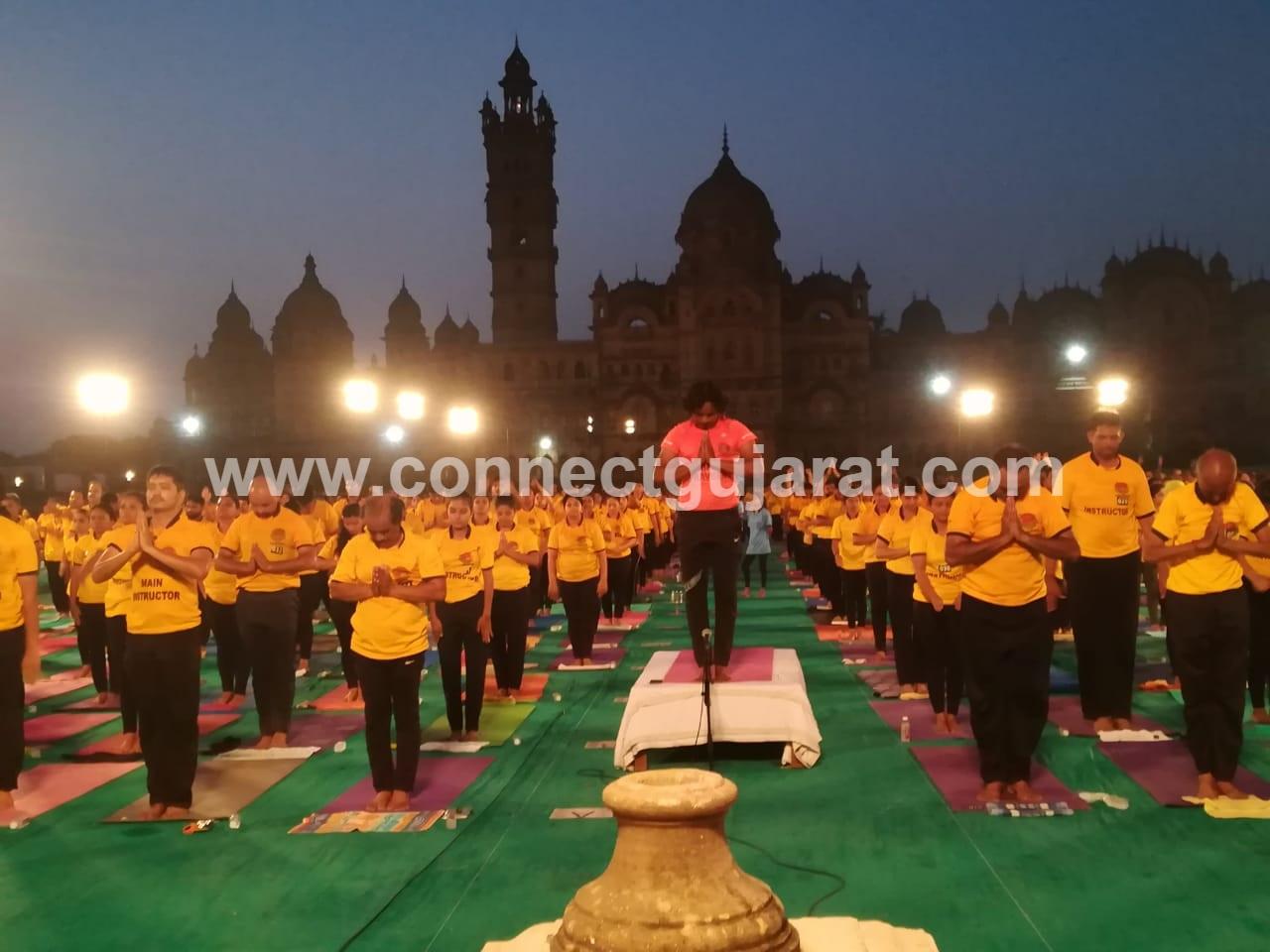 Over 1000 people perform Surya Namaskar inside magestic Lakshmi Villas Palace