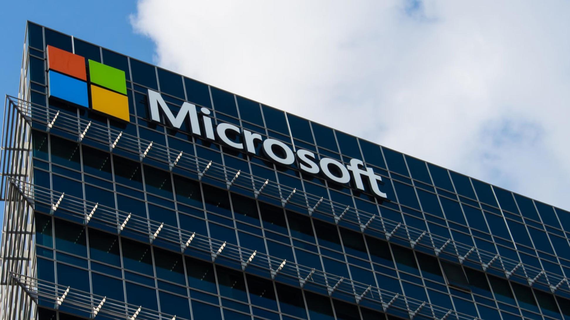 Pentagon hands Microsoft $10 billion 'war cloud' deal, cold shoulders to Amazon