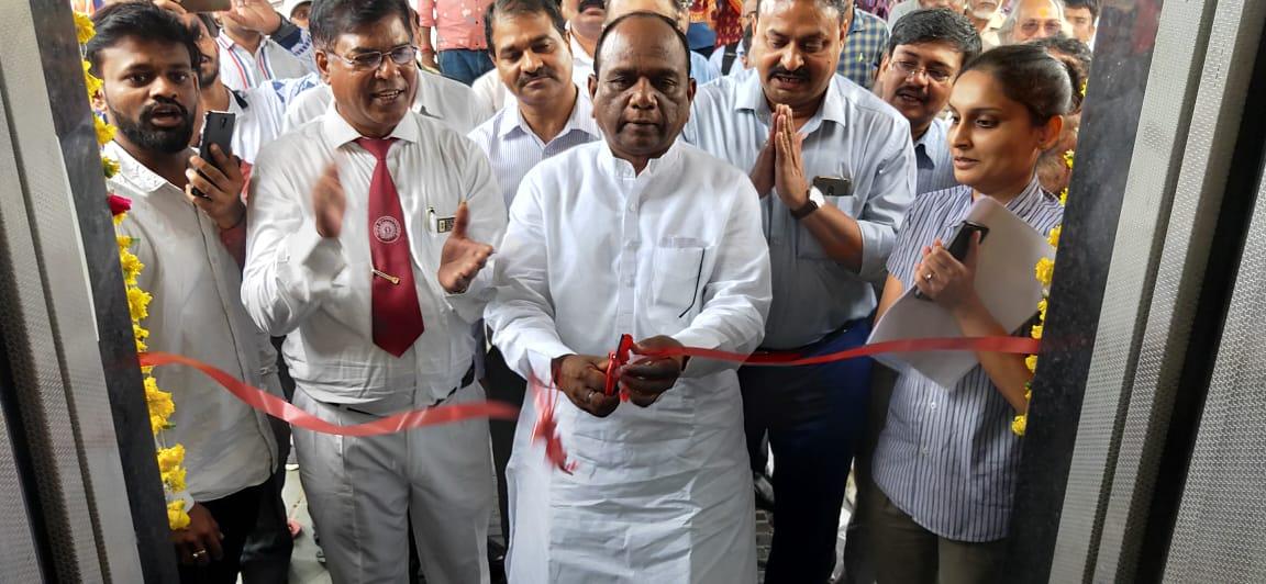 Inauguration of lifts at Ankleshwar station by MP Mansukh Vasava