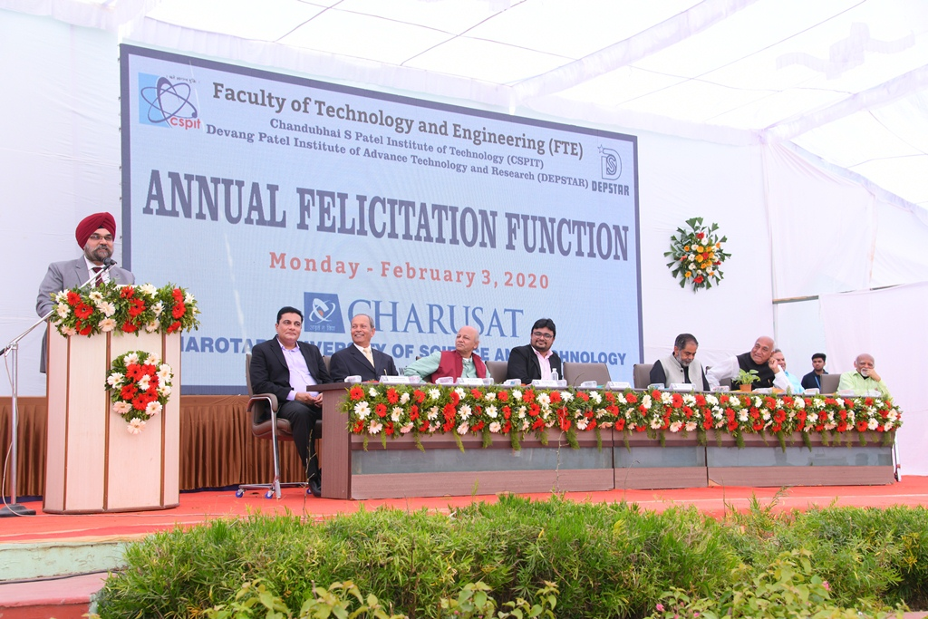 Toppers felicitated at Annual Day Celebration of Faculty of Technology and Engineering at CHARUSAT