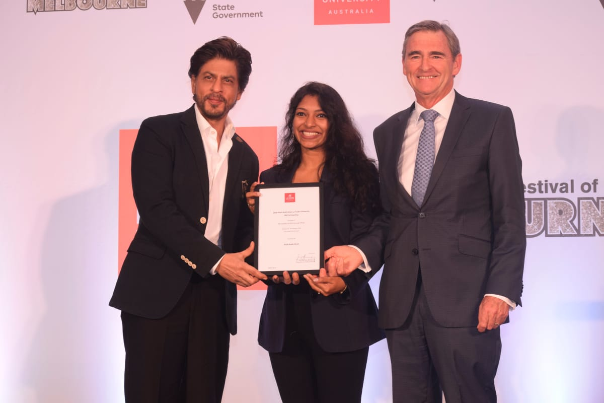 Shah Rukh Khan Awards the Ph.D. scholarship named after him to a girl from Kerala