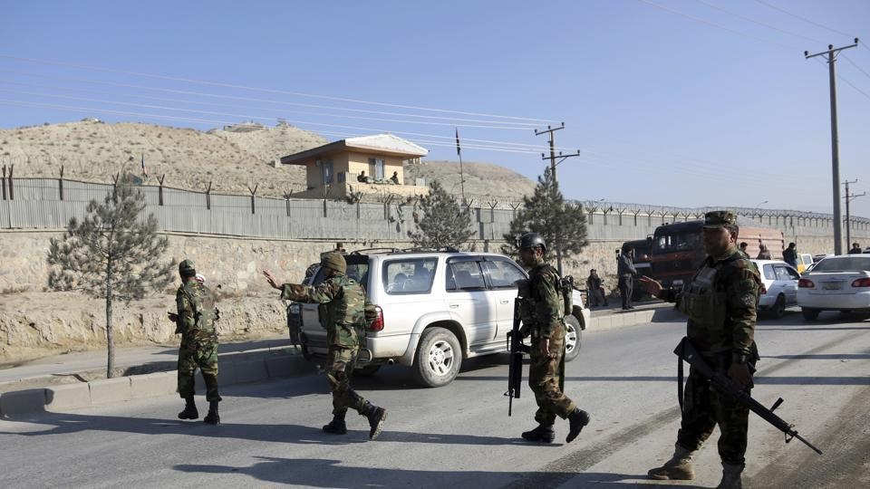 Suicide bomb attack rocks Kabul, casualties feared