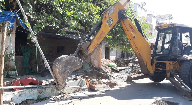 VMSS anti encroachment team removed illegal structures at Warasia