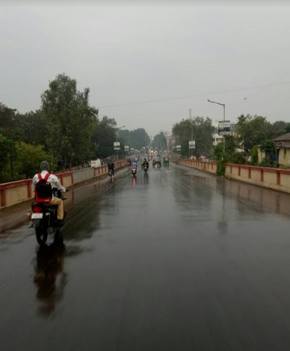 Unseasonal rains continues in Vadodara for the second day