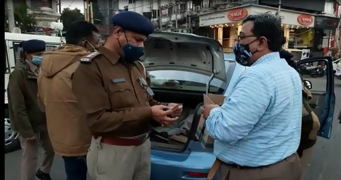 Intensive checking by Vadodara police on new year eve