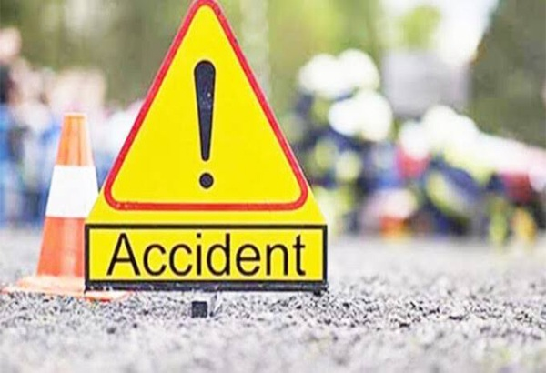 Bike rider died after knocked down by truck near Ajwa crossing at Vadodara