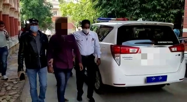 Youth tried to commit suicide at collector office in Vadodara