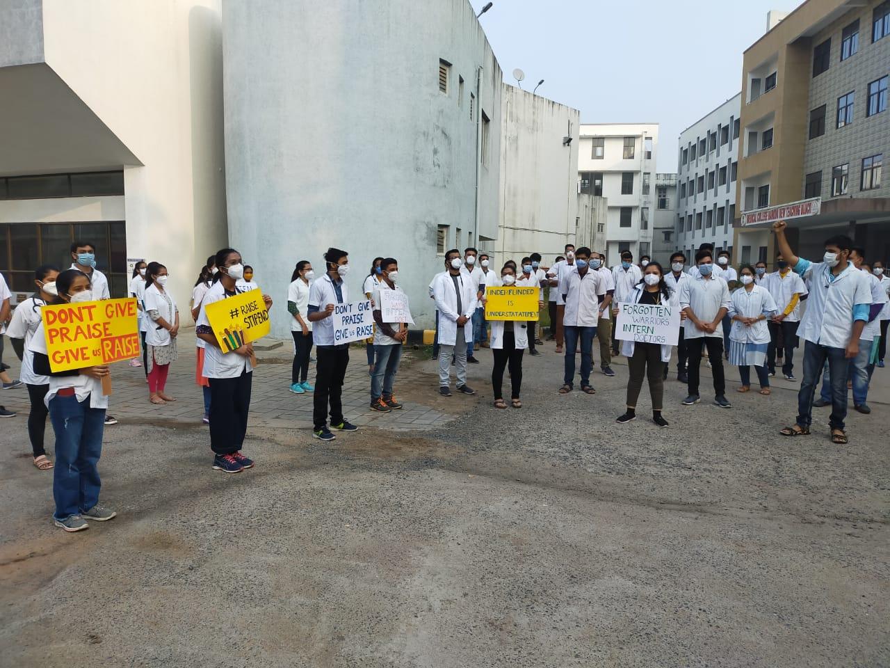 Intern doctors of Gotri and Sayaji hospital on strike
