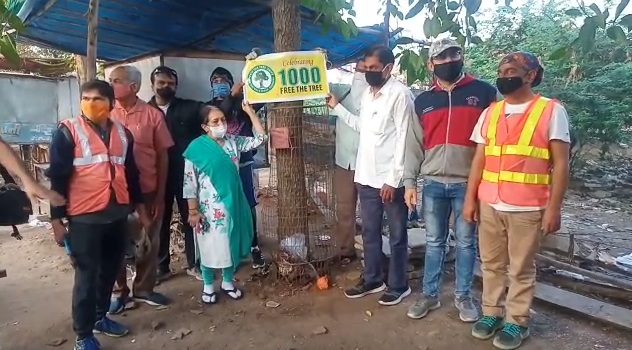 Nature Walk Group freed 1000th tree from cage in Vadodara