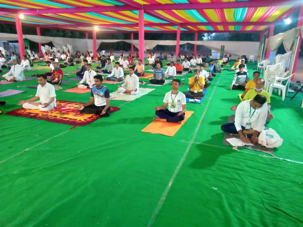 Gujarat State Yoga Board Chairman Yoga Sevak Shishpalji inaugurated yoga coach training camp at Sokhada