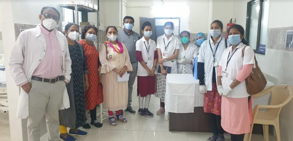63 women corona warriors including 14 women doctors in list of first hundred for vaccination in SSG Vadodara