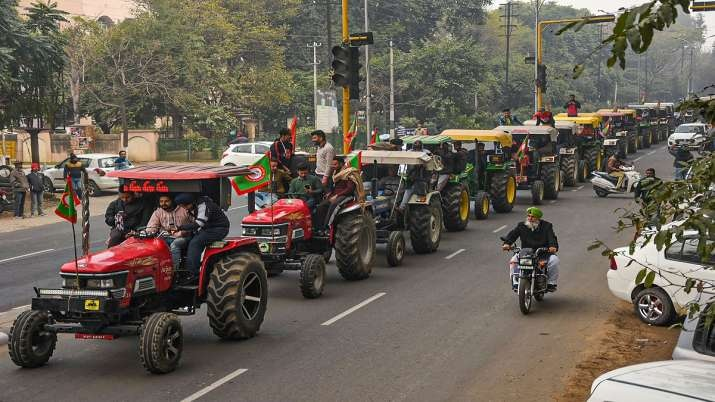 Delhi Police gives permission to farmer's tractor parade on Republic Day