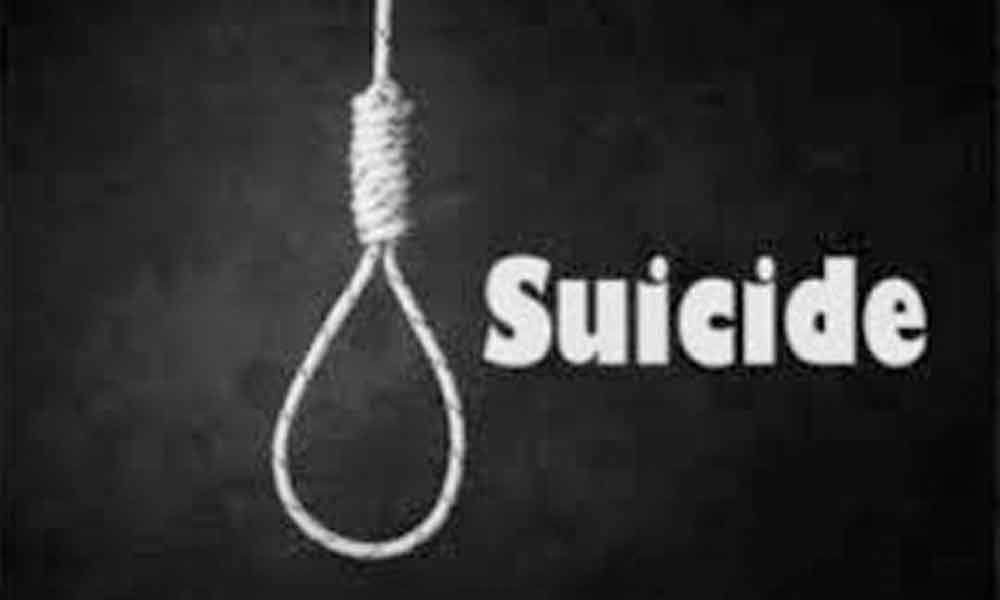 Youth in Gorwa area of Vadodara city committed suicide for unknown reasons