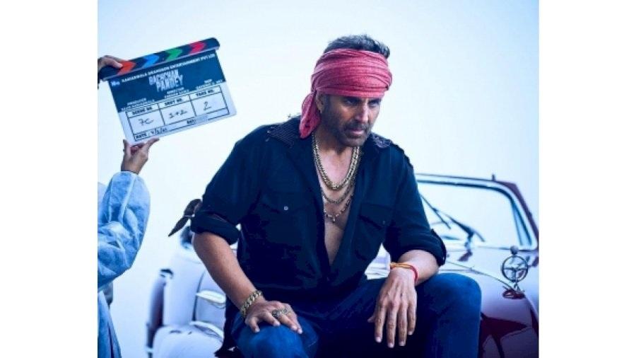 Akshay Kumar reveals his 'Bachchan Pandey' look
