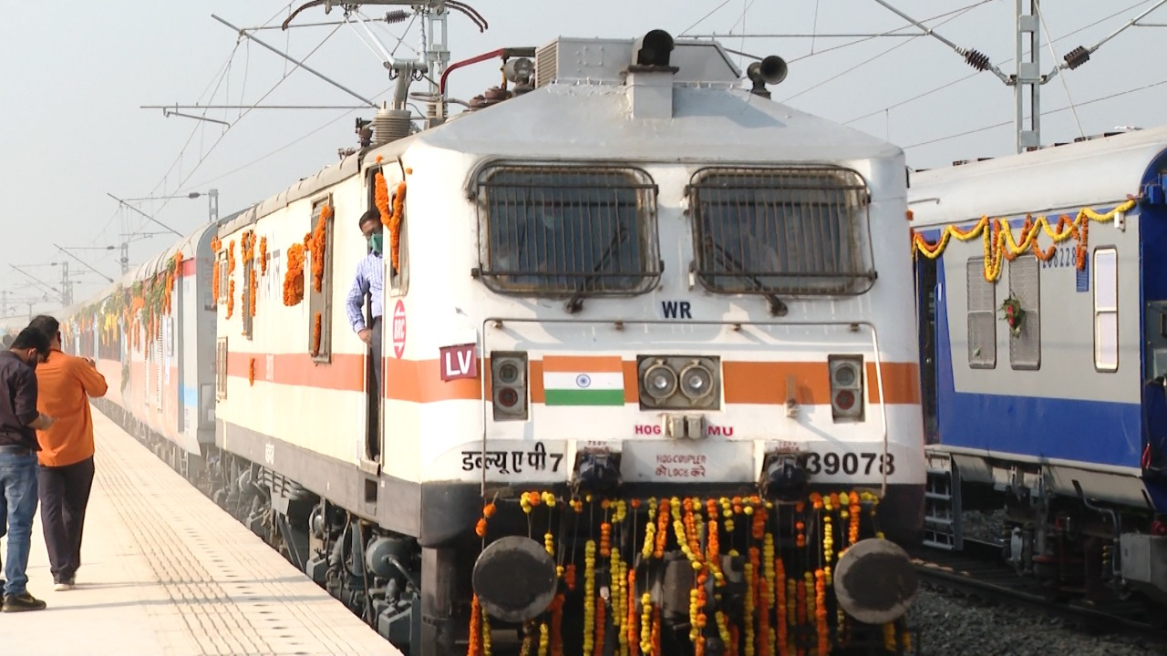 PM flags off eight trains facilitating seamless rail connectivity to Statue of Unity