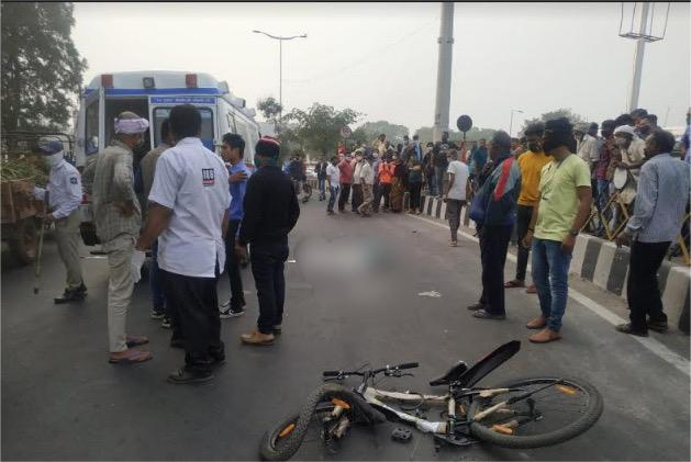 Girl killed after knocked down by rashly driven dumper in Vadodara