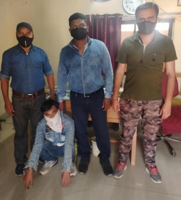 Western railway LCB arrest wanted accused from Vadodara