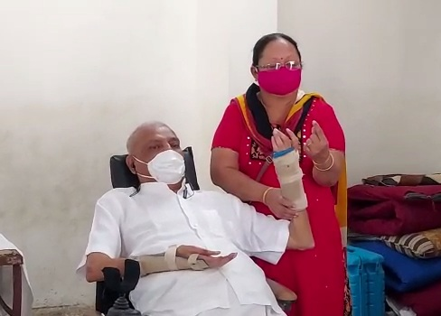 Patient suffering from Quadriplegia reached polling booth to vote in Vadodara